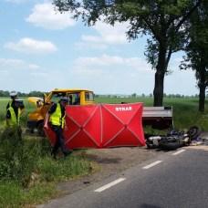 4 czerwca | Śmierć motocyklisty | Do tragicznego w skutkach wypadku doszło na drodze krajowej nr 46 między Starym Paczkowem a Ściborzem. Kierowca dostawczego iveco, skręcając w drogę gruntową nie zauważył, że jest wyprzedzany przez motocyklistę. Chwila nieuwagi doprowadziła do zderzenia obu pojazdów. Niestety pomimo długiej akcji reanimacyjnej 40-letni kierowca yamahy zmarł na miejscu. | http://paczkow24.pl/motocyklista-zginal-pod-starym-paczkowem/