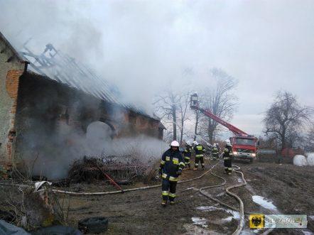 W Unikowicach spłonęła stodoła
