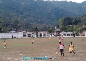 Sepakbola antarklub Kota Sawahlunto beberapa waktu lalu. (dok.tumpak)