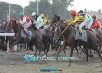 Kejurnas Pacuan Kuda Hamengku Buwono X ke 6. (tumpak)
