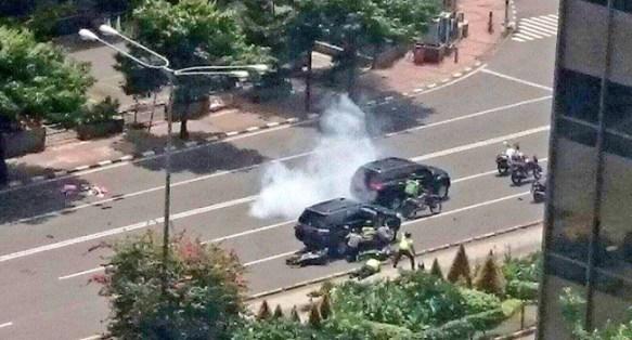 Ledakan di kawasan Jalan MH Thamrin, Jakpus. (foto: twitter/pmj)
