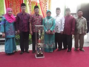 Kelurahan Jati Baru berhasil mempertahankan Juara Umum pada MTQ ke 37 Kecamatan Kecamatan Padang Timur. (derius)