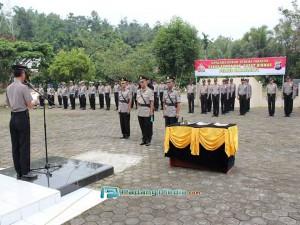 Sertijab Kabag Sumda dan Kasat Bimas Polres Kota Sawahlunto, Sabtu (5/3). (tumpak)