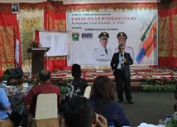Dialog empat pilar pembangunan Pemkab Solok yang diselenggarakan Forum Editor Sumbar. (ist)