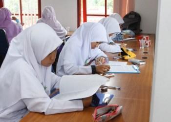 Lomba Menulis tingkat SLTA di Padangpanjang. (haris)