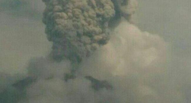 Foto Erupsi Gunung Sinabung (Sutopo PN via twitter)
