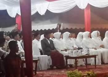 Presiden Jokowi saat malam takbiran di Padang, Selasa (5/7). (derius)