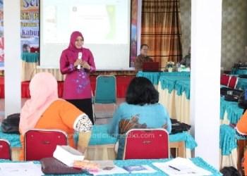 Kepala Bidang Pemberdayaan Masyarakat dan Perempuan Kab. Kepulauan Mentawai, Puji Rahayu. (ers)