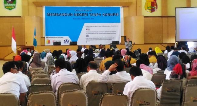 Diskusi Publik Membangun Negeri Tanpa Korupsi Pemko Solok, Rabu (14/12). (Adr)