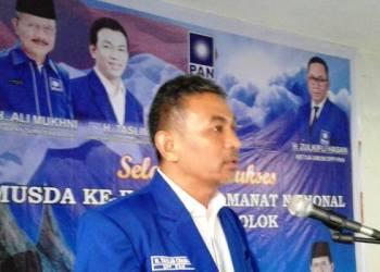 Sekretaris DPW PAN Sumbar Taslim Caniago saat penutupan Musda DPD PAN Kabupaten Solok, Sabtu (21/1). (ist)