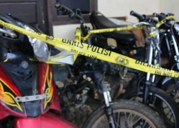 Sepeda motor hasil curian yang diamankan Polres Dharmasraya. (ek)