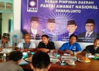 Pendaftaran balon kada oleh DPD PAN Kota Sawahlunto. (tumpak)