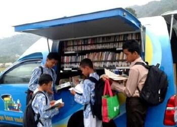 Lapak baca yang digelar Forum Literasi Padangpanjang beberapa waktu lalu. (ist)
