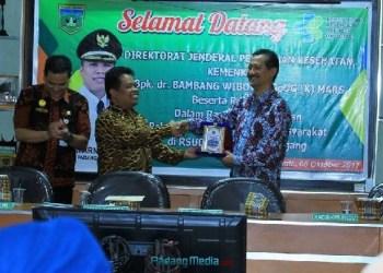 Sekdako Padangpanjang, Indra Gusnady di RSUD Padangpanjang. (foto: humas)