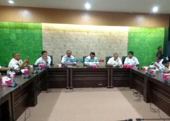 Kunjungan Humas dan FWP DPRD Kota Padang ke Bandung. (baim)
