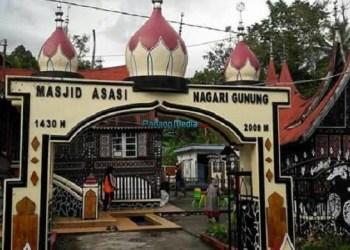 Masjid Asasi, salah satu masjid tua yang fenomenal di Kota Padangpanjang. (foto: humas Pemko Padangpanjang)