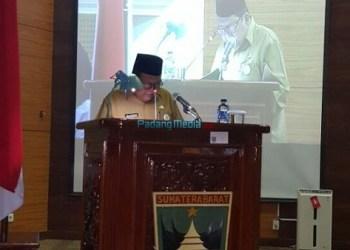 Sekdaprov Sumbar Ali Asmar saat rapat paripurna di DPRD Sumbar. (ist)