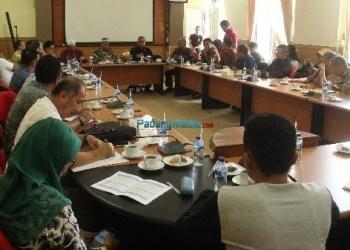 Kunjungan kerja anggota DPRD Sumbar daerah pemilihan (dapil) 8 di Kab. Kepulauan Mentawai, Jumat (08/12). (ers)