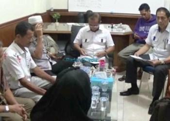 Pedagang IPPI Pasar Raya Padang bertemua kuasa hukum untuk melayangkan gugatan kepada Pemko Padang, Jumat (19/1). (bh)