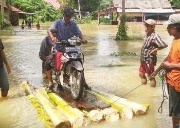 Banjir di Pasaman, Kamis (11/10). (riki)