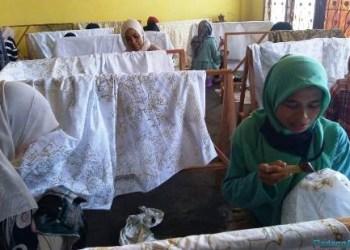 Aktifitas pelatihan membatik di Rumah Batik Hajjah Wirda Hanim. (fdc)