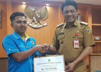Bantuan dari Padangpanjang untuk korban gempa Palu. (de)