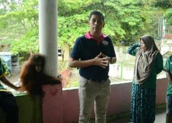 Wako Sawahlunto Deri Asta berbincang dengan pegawai PT WWS. (tumpak)
