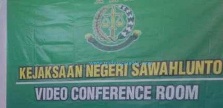 Sidang Kasus Penipuan Jaksa Tuntut Nh Tiga Tahun Penjara Padang
