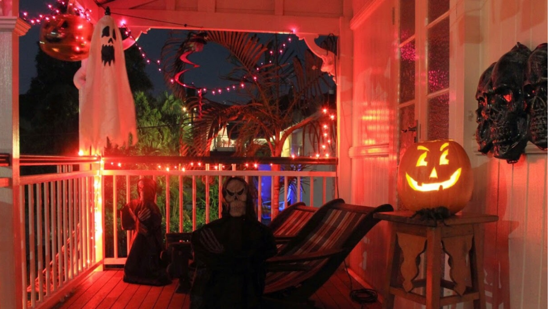 Verandah decorations for Trick or Treat