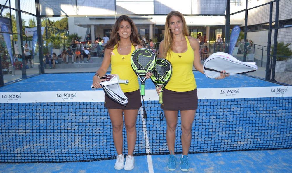Esther Levisier y Belén Montes vencen en VI Torneo de Pádel contra el Cáncer