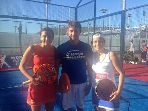 Juan Carlos Ferrero con Cecilia Reiter y Carolina Navarro