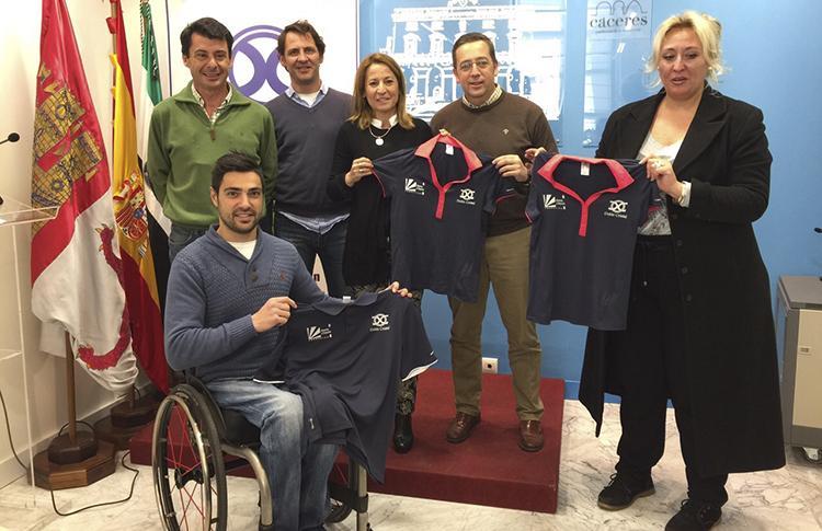 Doble Cristal presenta el torneo que organizará junto al Ayuntamiento de Cáceres