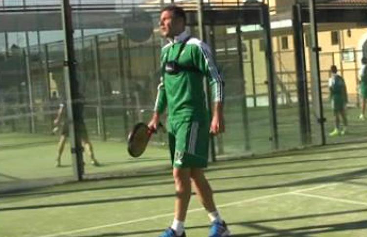 Joaquín, centrocampista del Betis, todo un 'maestro' del pádel