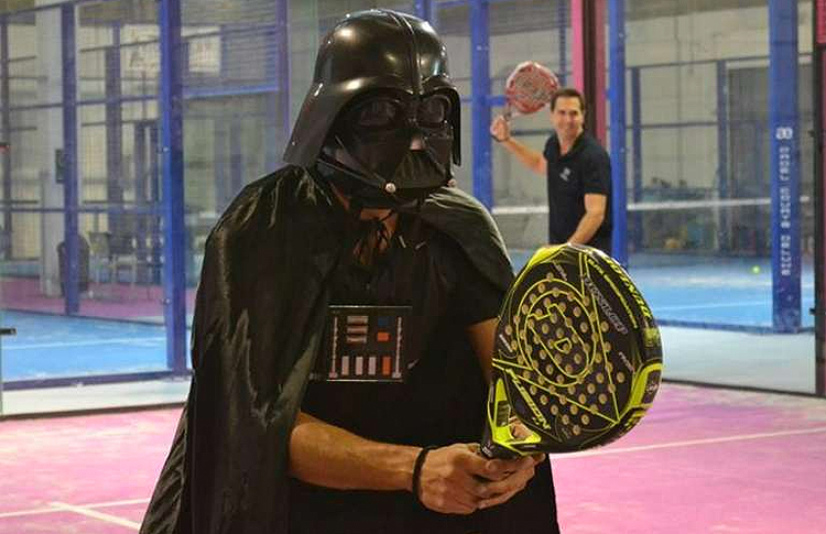 Las artes oscuras en el peloteo previo a un partido de pádel
