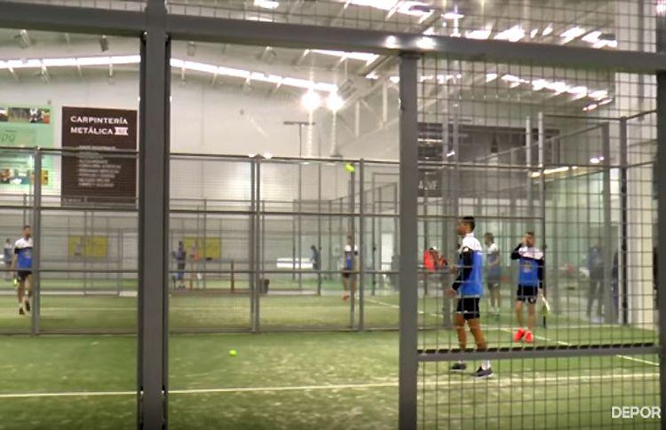 El pádel se 'cuela' en los entrenamientos del Deportivo de la Coruña
