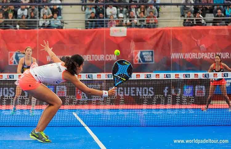 Mapi y Majo Sánchez Alayeto, en accion frente a Alejandra Salazar-Marta Marrero en la gran final del Estrella Damm Las Rozas Open