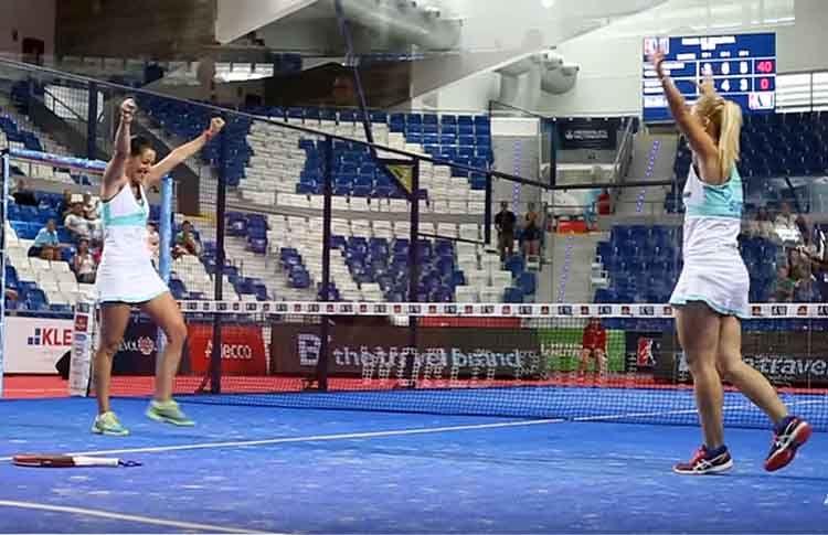 Teresa Navarro-Lucía Martínez, en acción en el Estrella Damm Palma de Mallorca Open
