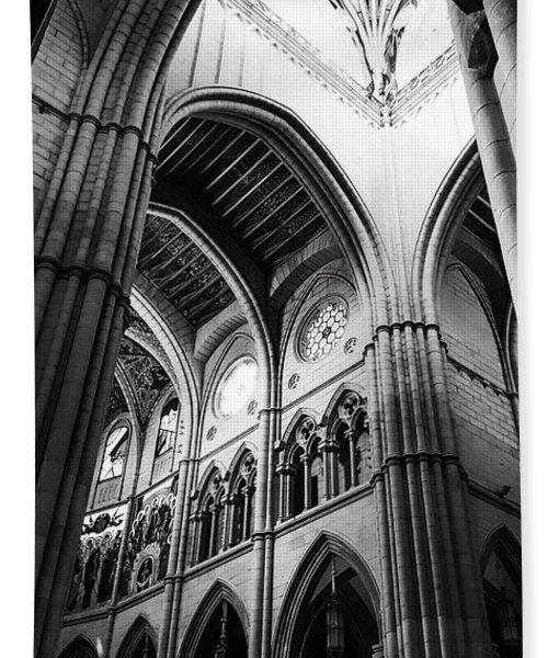 black-and-white-almudena-cathedral-interior-towel