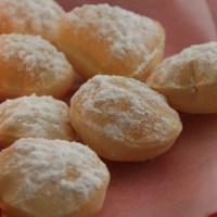 Parsi billalu /  sweet puri