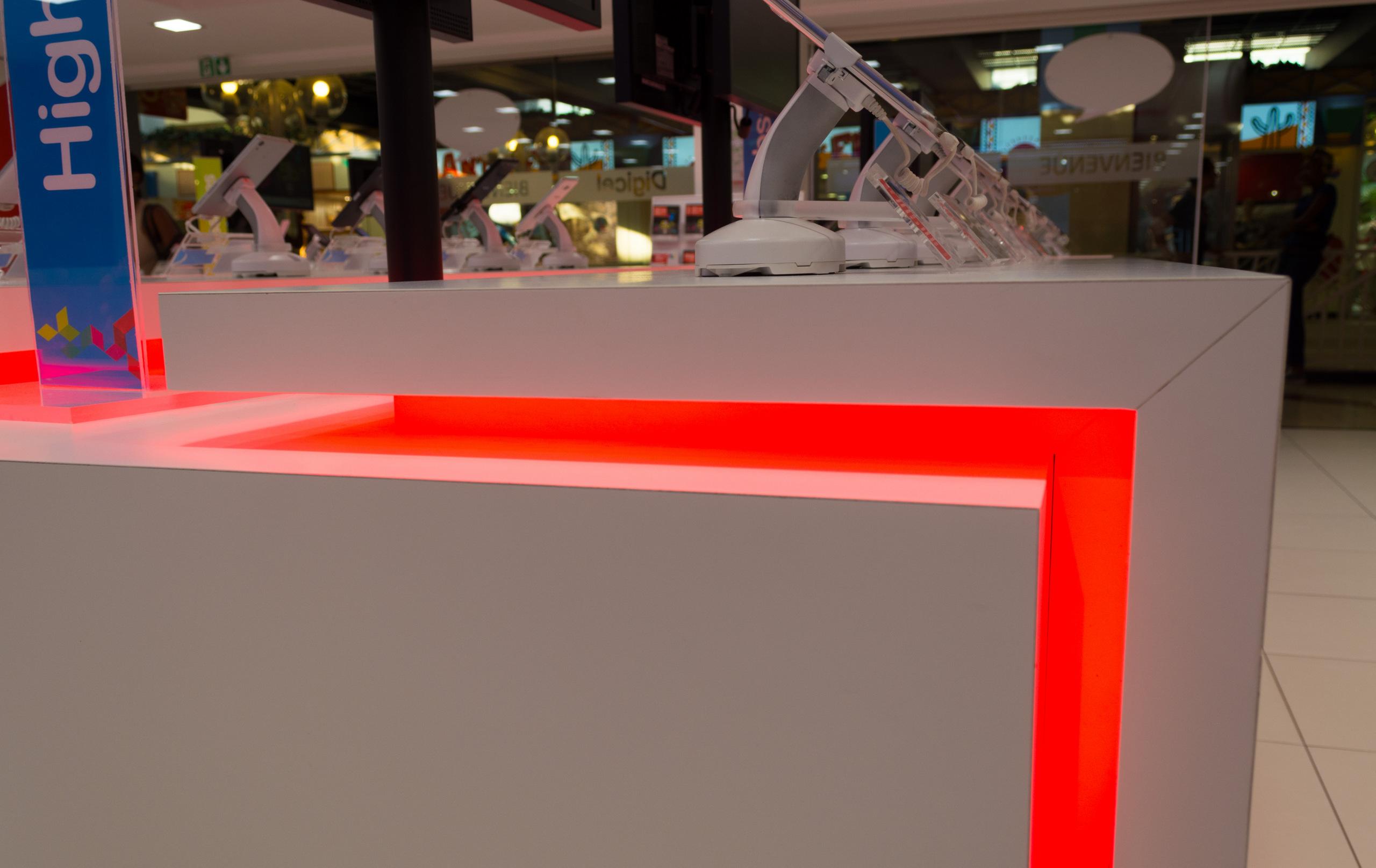 Boutique Digicel CC La Galleria  Pado