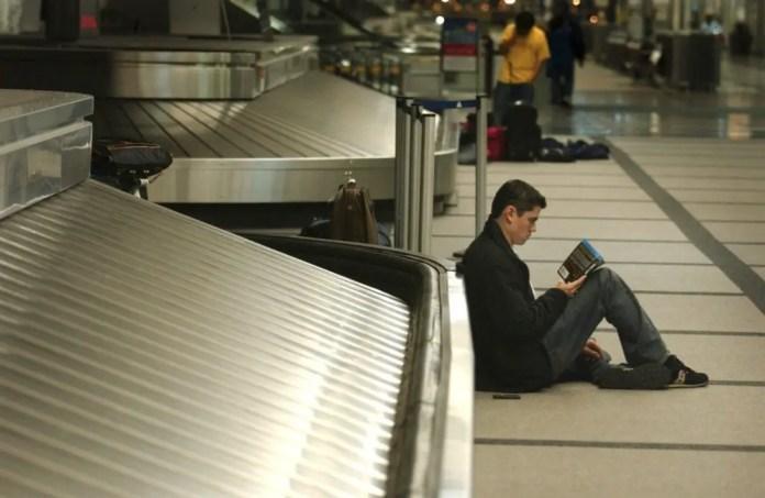 esperar en los aeropuerto leer