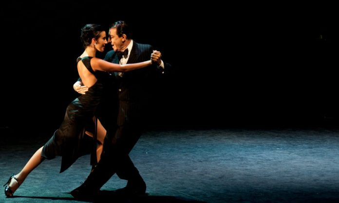 bailar tango en buenos aires