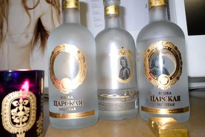 cuantos grados de alcohol tiene el vodka