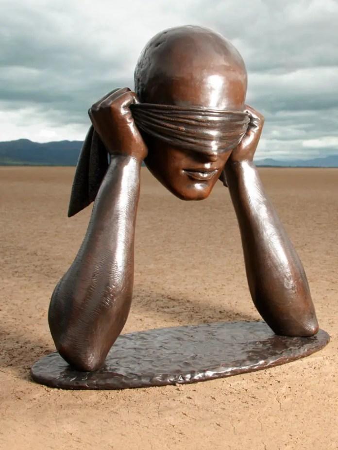 la feliz ceguera escultura de sergio bustamante