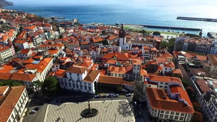 lugares para visitar en portugal con playa