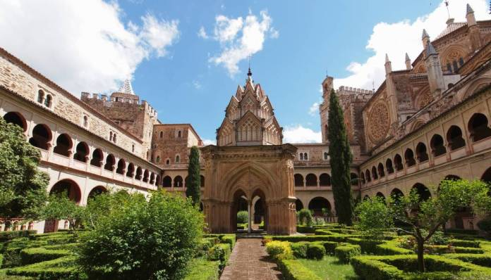 monasterio-de-santa-maria-de-guadalupe-cáceres