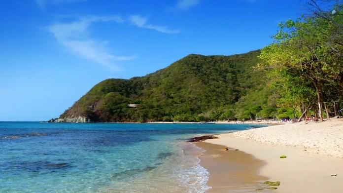 Visitar playas de Colombia Playa Cristal