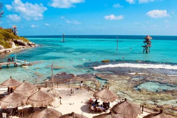 Visita el Parque Natural de Arrecifes Garrafón en Isla Mujeres