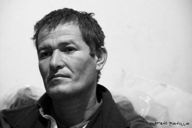 """""""Cuando bien nos va, las personas nos avientan comida cuando vamos sobre el tren"""" Ramón Alvarenga, 39 años, Honduras."""