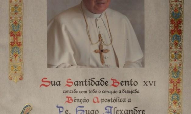 """Bem-haja Bento XVI; nota pastoral para as """"Paróquias da Estrela""""."""